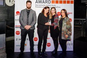 Silber gewinnt Erste nachtaktive Graffiti-Werbung (Universal Pictures) - Die beste Ambient Media Kampagne