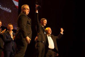 GF Andreas Göltl (links) und Regisseur Wolfram Zöttl bei der Preisverleihung, ©Bea Award