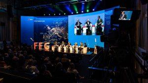 Die LED-Wand als Bühnenhintergrund beim FFG Forum, Foto: Alexander Schagerl