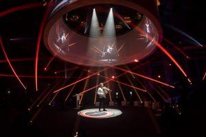 Runde Bühne mit 360 Grad Projektion bei Event Horizon 2018