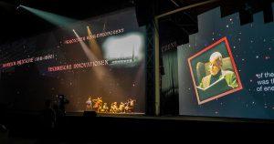 Holographische Geschichtenerzähler hinter einer Gaze (halbdurchsichtiges Gewebe), Foto: Alexander Schagerl / Habegger Austria